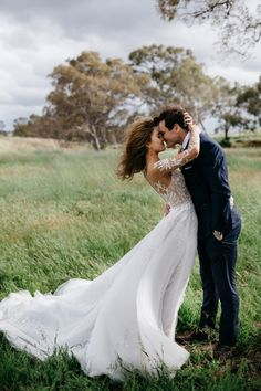 We can& get enough of these windswept wedding photos. We can& get enough of these windswept wedding photos. The post We can& get enough of these windswept wedding photos. appeared first on Pink Unicorn. Wedding Picture Poses, Wedding Poses, Wedding Photoshoot, Wedding Groom, Wedding Couples, Wedding Portraits, Wedding Dresses, Wedding Ceremony, Wedding Events