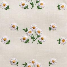 Daisies ScatterTowel - Ivory Linen – Henry Handwork