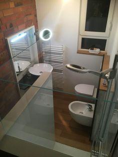 Duschrückwand Aus Bedruckten Glas In Weiß Für Ihr Badezimmer Bei Dieser  Bädergestaltung Setzte Der Baddesigner Torsten