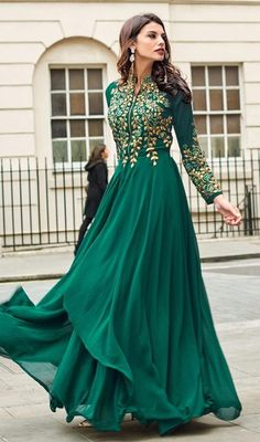 Emerald Green Sadi Arabia Long Chiffon Evening Dresses With Sleeves Indian Gowns, Pakistani Dresses, Indian Wear, Indian Outfits, Bollywood Dress, Evening Dresses With Sleeves, Chiffon Evening Dresses, Ivory Dresses, Dresses Dresses