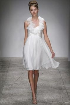 45 Beautiful And Relaxed Beach Wedding Dresses | Weddingomania