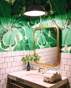 green palm leaf bathroom wallpaper. / sfgirlbybay