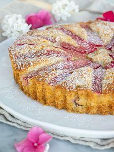 Mandel- och rabarberkaka | Brinken bakar How To Make Bread, How To Make Cake, Best Rhubarb Recipes, Grandma Cookies, Cinnamon Cake, Fudge Brownies, Cakes And More, I Love Food, No Bake Cake