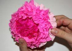 Kvety zo servitiek a krepového papiera 18