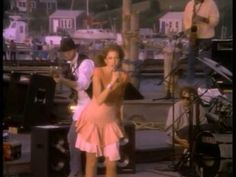 Carly Simon - Nobody Does It Better ☄ The Spy Who Loved Me ☛ http://www.imdb.com/title/tt0076752/