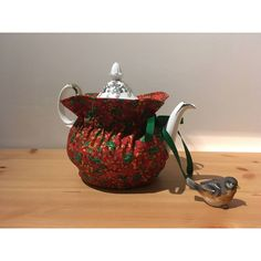 Handmade Christmas Tea Cozy, Insulated Cozy, Quilted Tea Cozy, Red Tea... (€21) ❤ liked on Polyvore featuring home, kitchen & dining, teapots, christmas teapot, handmade teapot, red tea pot, christmas tea pot and red teapot