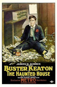DVD CINE 2450-II - Pamplinas y los fantasmas (1921) EEUU. Dir: Buster Keaton e Edward F. Cline. Curtametraxes. Comedia. Sinopse: Buster Keaton é un empregado de banco, sempre servicial cos seus clientes, especialmente se se trata de belas damiselas. Despois de montar unha lea das gordas cos billetes e un potente pegamento, vai parar a unha casa supostamente encantada, aínda que en realidade todo consiste na treta dunha banda de ladróns