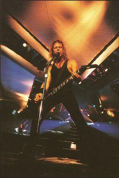 James Hetfield of Metallica Heavy Rock, Heavy Metal, Metallica, Ron Mcgovney, Jason Newsted, Cliff Burton, Robert Trujillo, Dave Mustaine, Best Guitarist