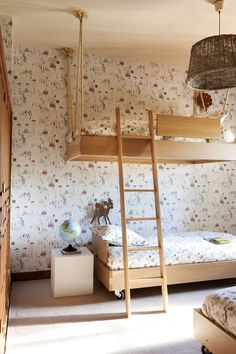 the boo and the boy: bunk beds, shared room, kids room Deco Kids, Hanging Beds, Kids Bunk Beds, Shared Bedrooms, Kids Room Design, Deco Design, Kid Spaces, Girls Bedroom, Girl Room