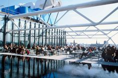 Set on the rooftop of the Centre Pompidou, Le Georges provides sweeping vistas of the surrounding Beaubourg neighborhood