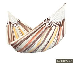 LA SIESTA family hammock Casera terra is made of pure high-quality cotton from organic production (certified according to the OE 100 Standard, Textile Exchange). It is from Colombia, where hammocks have always been an essential part of everyday life. Indoor Hammock Bed, Dog Hammock, Double Hammock, Hammock Chair, Hammocks, Indoor Sunrooms, Brazilian Hammock, Pure Products, Outdoor Decor