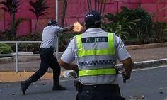 Flagrante foi feito durante a manifestação desta quarta-feira na Esplanada dos Ministérios