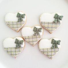 #tweed #heart #heartcookies #ribbon#sugarcookies #icingcookies #decoratedcookies #royalicing #gray#pink#yellow#white#cookie #sugarcookies #apcookies #ツィード #ハート#ハートクッキー#リボン#シュガークッキー#アイシングクッキー#デコレーションクッキー#グレー#ピンク#黄色#白#クッキー#シュガークッキー #お菓子作り#焼き菓子
