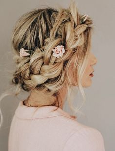 "Barefoot Blonde Crown Braid Video Tutorial, the ""Flower Crown."" Amber Fillerup, Barefoot Blonde Hair - Home Rustic Wedding Hairstyles, Wedding Hairstyles For Long Hair, Prom Hairstyles, School Hairstyles, Hairstyles Pictures, Teenage Hairstyles, Trendy Hairstyles, Loose Braids, Messy Braids"