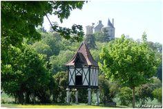Chateau de Buzet - on the hill