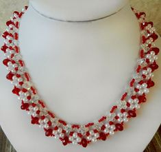 Free pattern for beaded necklace Aurika U need: seed beads 11/0 bicone beads 6 mm pearl beads 6 mm rondelle beads 8-10 mm