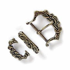 Set with viking buckle, strapend and belt loop for 4 cm wide belts for larp and re-enactment - offered by www.PeraPeris.com - available on Etsy €14.99 - also wholesale.