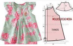 O molde do vestido com pregas encontra-se no tamanho 7 anos. A ilustração do molde de vestido com pregas não tem valor de costura.