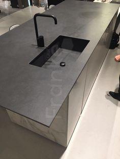 Fliese Mit Minimalistischen Fugen In Der Modernen Marmoroptik #fugen # Marmoroptik #marmor #fliese