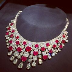 Dreaming.....Christmas Graff Diamonds   via @totogugu  #graffdiamonds #Diamonds #party #Jewellery  #beautiful #instafollow #dream #love #loveyou #inspiration #highjewellery #friends #finejewellery #happy  #instagood #cute #followme #beauty  #fashion #art  #instalove #awasome #hot #lol #bestoftheday #likeforlike #style #life #travel #HauteJoaillerie by jewellery_masterpiece