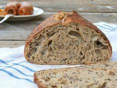 Nebeský s ľanovými semienkami Bread Recipes, Cooking Recipes, Sourdough Bread, How To Make Bread, Banana Bread, Food And Drink, Pizza, Baking, Basket
