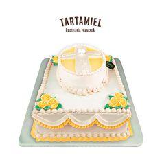 Pastel de bautizo con motivos religiosos. Un pastel muy vistoso y tradicional. Decorative Boxes, Christening Cakes, Colorful, French Tips, Traditional, Decorative Storage Boxes