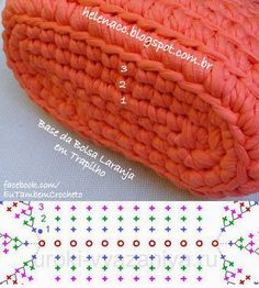 "diy_crafts- Bolsa Laranja em Ponto Baixo Duplo de Trapilho ""Discover thousands of images about Base bolso"", ""Crochet graphs of the oval base o Crochet Diy, Crochet Clutch, Crochet Handbags, Crochet Purses, Love Crochet, Crochet Crafts, Crochet Bags, Crochet Stitches, Crochet Patterns"