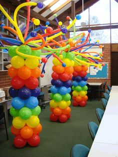 Balloon column with balloon hair