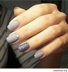 Matte grey nails - LadyStyle