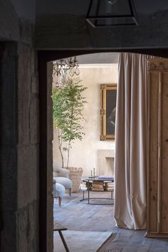 〚 White, classic details and minimalism: airy home with character in Spain 〛 ◾ Photos ◾ Ideas ◾ Design #old #vintage #stone #interiordesign #homedecor #idea #Inspiration #cozy #living #style #space #tips #decor #interior Cozy Living, Home And Living, Spanish Mansion, Oversized Mirror, Interior Design, Spain, Inspiration Boards, Classic, Furniture