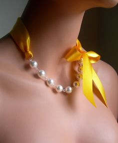 Pearl And Ribbon Necklace With Swarovski Crystal White by casamoda