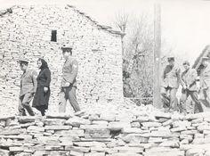 Theo Angelopoulos | La Reconstitution (Anaparastassi) (1970) - Photos