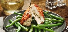 This is a super easy way to feel like a big-shot in the kitchen. Chicken is paired with a home made pesto made of walnuts and parmesan. Chef'd delivers meals you cook.