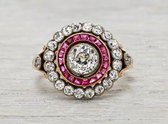 0.80 quilates Late Victorian antiguo Ruby & Anillo de compromiso Cluster diamante de la flor