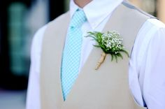 image of baby breath boutonniere