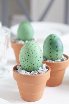 Mal etwas anderes für die Tisch Dekoration am Ostermorgen gefällig? Was haltet ihr von Kekteen zu Ostern? Ein DIY für Tischdeko zum Osterfest!