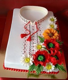 Vyshivanka - Ukranian traditional embroidery Pretty Cakes, Cute Cakes, Beautiful Cakes, Amazing Cakes, Russian Cakes, Dad Birthday Cakes, Shirt Cake, Indian Wedding Cakes, Cakes For Women