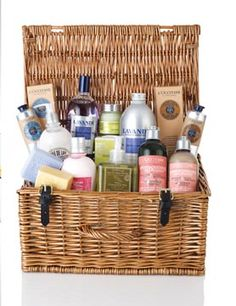 Win a luxury beauty hamper from L'OCCITANE - Competitions. Free Samples By Mail, Free Cosmetic Samples, Free Stuff By Mail, Get Free Stuff, Beauty Box, My Beauty, Beauty Hacks, Beauty Tips, Luxury Hampers