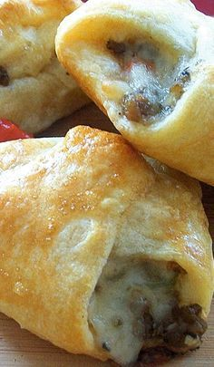 Philly Cheese Steak Crescent Bites ~ hese philly cheese steak crescent bites are full of amazingly tasty flavours and which makes them even better: they are utterly easy to make! More