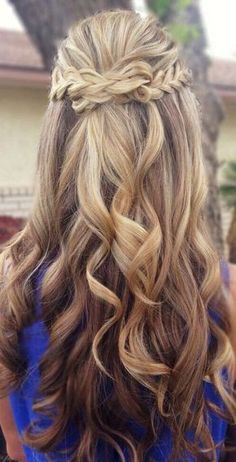 We've gathered our favorite ideas for 8 Fantastic New Dance Hairstyles Long Hair Styles For, Explore our list of popular images of 8 Fantastic New Dance Hairstyles Long Hair Styles For in curly homecoming hairstyles for long hair. Half Updo Hairstyles, Prom Hairstyles For Long Hair, Dance Hairstyles, Homecoming Hairstyles, Wedding Hairstyles, Hairstyle Ideas, Hair Ideas, Semi Formal Hairstyles, Pretty Hairstyles