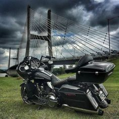 "Follow & Tag ""HD Tourers and Baggers"" on Instagram Facebook Twitter & across the Web. ===================== #hdtourersandbaggers ===================== Credit to @lm4photo ===================== #instamotogallery #instamoto #motorcycles #harleydavidson #roadkingclassic #roadking #roadglide #streetglide #softail #showoffmyharley #harleysofinstagram #harleylife #bikelife #bikersofinstagra #bikestagram #harleyrider #harleyriders #customharley #throttlezone #harleydavidsonnation…"