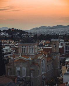 6 λόγοι που αγαπάω την Αθήνα - Little Hope Flags Greece Honeymoon, Greece Vacation, Greece Travel, Greece Trip, Acropolis, Athens Guide, Site Archéologique, Excursion, Historical Monuments
