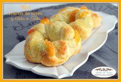 Mini roscón de reyes, typical spanish sweet bread