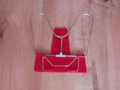 Stojan na citanie knih (Book stand) - used these constantly in school Retro 2, Retro Toys, My Childhood Memories, Sweet Memories, Book Holders, Retro Fashion, Romania, Fun, Childhood Memories
