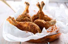 Κοτόπουλο πανέ με πάπρικα Stuffed Mushrooms, Meat, Chicken, Vegetables, Food, Red Peppers, Stuff Mushrooms, Essen, Vegetable Recipes