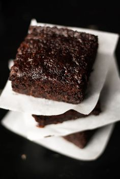 chocolate and zucchini brownies! Totally trying these this weekend since our plant is out of control!