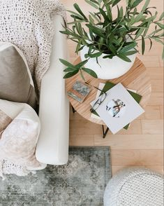 Create a cozy feel in your space with texutre - think blankets, pillows, ottomans & rugs | House & Roses Casual Mom Style, Stone Flooring, Ottomans, Home Decor Styles, Everyday Fashion, Blankets, Vanilla, Hand Weaving, Sweet Home