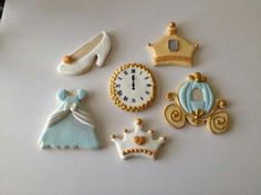 Patti Lignelli Ondash:  Princess decorated cookie collection.   So cute!