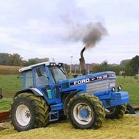 Tractors New Holland Ford, New Holland Tractor, New Trucks, Ford Trucks, Farm Boys, Old Tractors, Ford News, Fiat, Farming