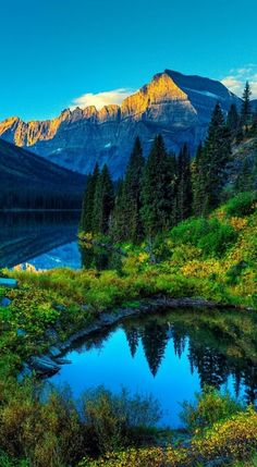 Moraine Lake, Banff National Park, #Alberta, #Canada Travel, world, places, pictures, photos, natures, vacations, adventure, sea, city, town, country, animals, beaty, mountin, beach, amazing, exotic places, best images, unique photos, escapes, see the world, inspiring, must seeplaces.